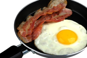 bacon and eggs 520w jpg