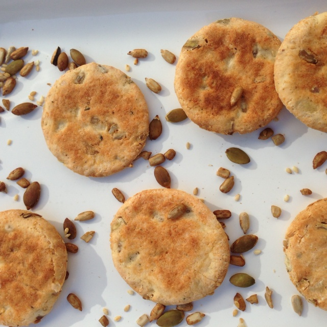 Cheesy seedy biscuits